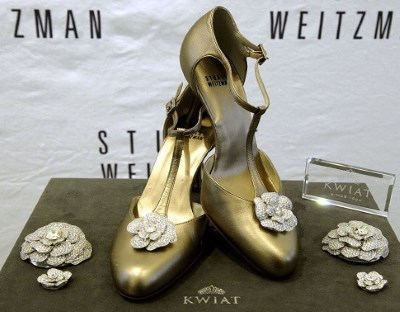 mary jane heeled pumps with jewelry roses